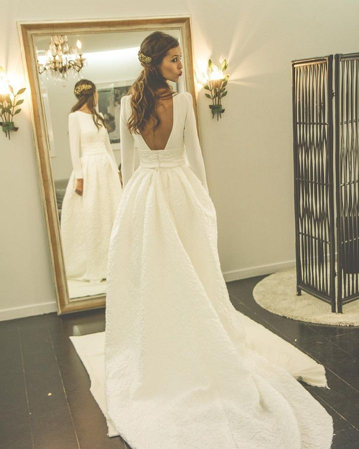 Elegant Long Sleeves Wedding Gowns Fashion Backless Wedding