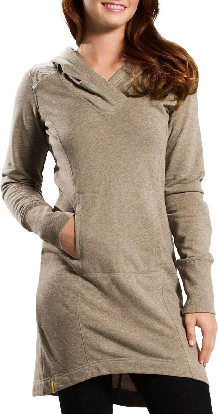 Stock your wardrobe for fall with this Lole Easy Dress. Pair with leggings and Teva Capistrano Boots for a cozy look!