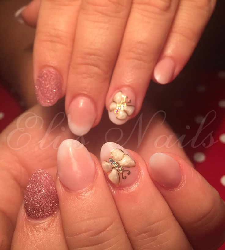 Baby boomer, Butterfly, glitter, oval nails, short nails