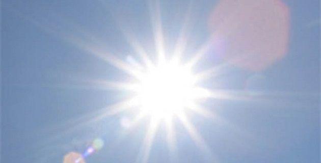 Temperaturas de 35 a 40 grados Celsius se pronostican para Michoacán, Guerrero, Oaxaca y Chiapas; asimismo, se prevédescenso de temperatura y vientos fuertes con rachas de hasta 60 kilómetros por ...