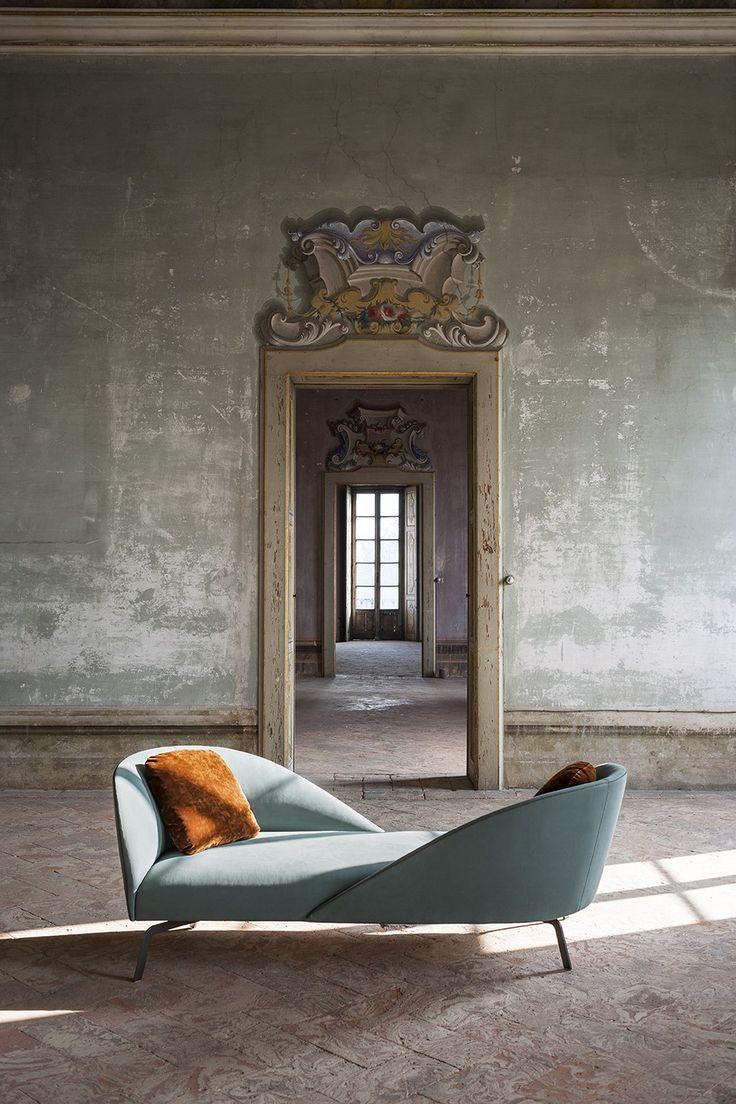 Facetoface By tacchini, 2 seater fabric sofa design Gordon Guillaumier