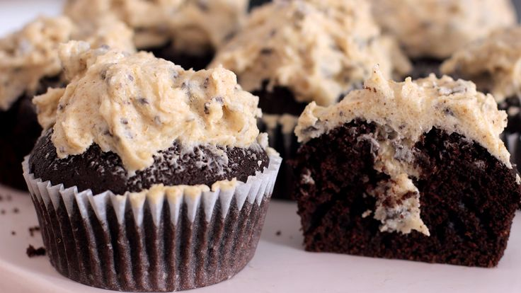 cookie dough cupcakes rezept als back video zum selber machen ganz einfach schritt f r schritt. Black Bedroom Furniture Sets. Home Design Ideas
