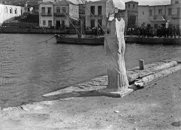 O Φιλέλληνας Ελβετός François Frédéric Boissonnas ή απλά Fred Boissonnas είναι ο πρώτος ξένος φωτογράφος που περιηγήθηκε τόσο πολύ στον ελληνικό χώρο, από το 1903 και για περίπου τρεις δεκαετίες αργότερα. Ταξίδεψε από την Πελοπόννησο ως την Κρήτη και τον Όλυμπο και από την Ιθάκη ως το Άγιο Όρος. Περιηγήθηκε, φωτογράφισε, έγραψε. Το έργο του, πρωτοποριακό αλλά και καθοριστικό για την εξέλιξη της ελληνικής φωτογραφίας κατά τον 20ό αιώνα. Στην Κρήτη ήρθε με προτροπή του Ελευθ. Βενιζέλου, που…