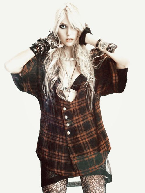 JULES FASHION: † The Pretty Reckless - Make Me Wanna Die (Music Video) †