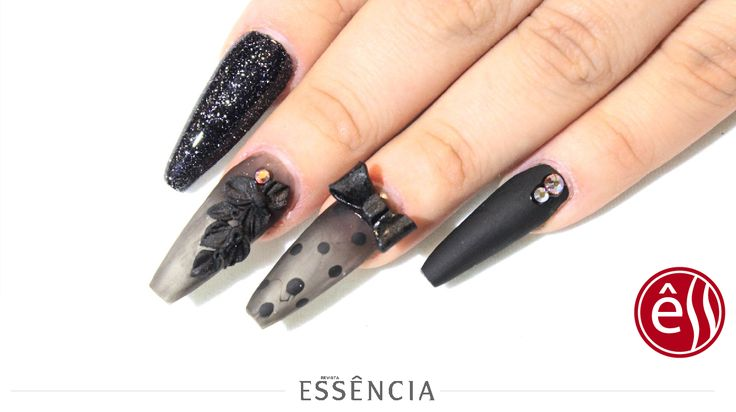 Tendencia en uñas! #revistaessencia #moda #beautiful #followme  #follow4follow  #girls #makeup #makeuptutorial #hairstyle  #girl #maquillaje #ultimamoda #tutorials #outfit #fashion #summer  #Nails #nailsart#nailstutorial