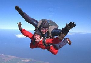 eJero : Tandem Skydive (UK Wide)