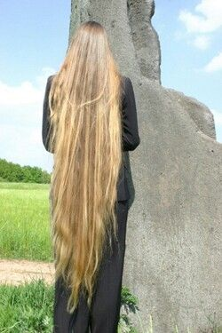 Gorgeous knee length hair - Awesome | Long Beautiful Hair ...