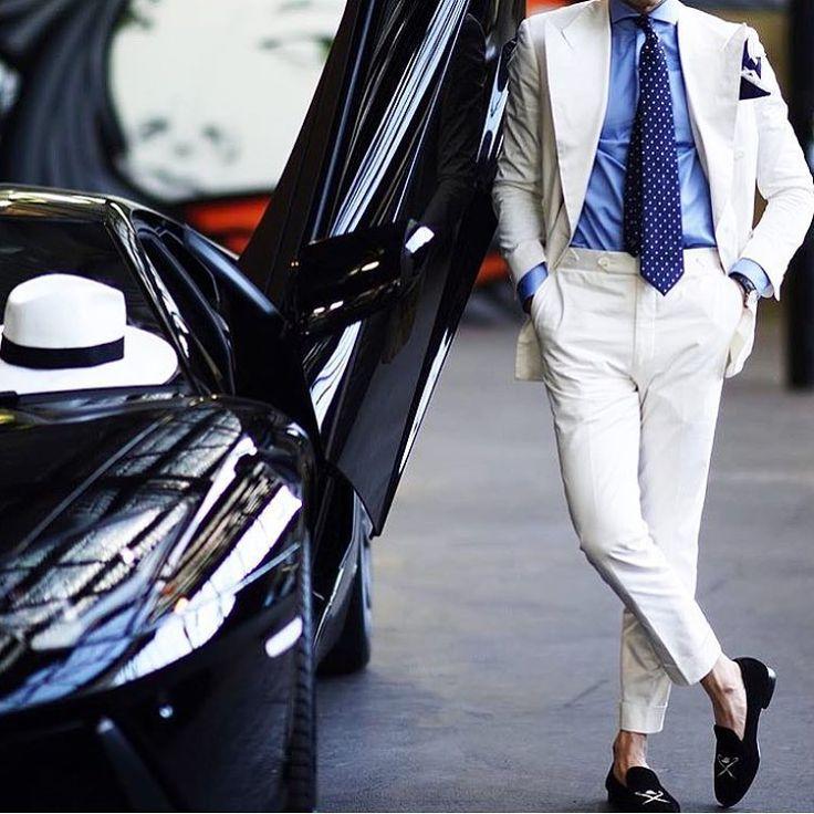 The man 完璧なコーディネートにおまけのランボルギーニ。恐れ入ります  #asteir #thegents #thegentstokyo #wedding #tuxedo #formalwear #groom #madeinjapan #mensfashion #menwithclass #menwithco #menwithstyle #gq #新郎 #新郎衣装 #新郎タキシード #オーダーメード #プレ花嫁 #プレ花婿 #結婚式ゲスト #結婚式主役 #ウェディングドレス #東京 #オーダーメイド #タキシード #フリープランナー