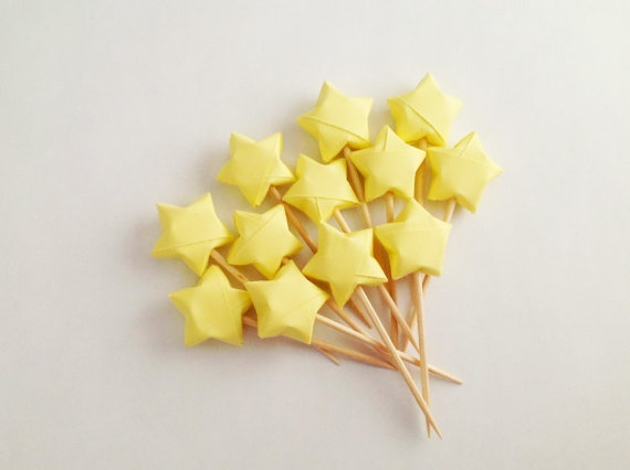 Best 25 origami stars ideas that you will like on pinterest for Diy lucky stars