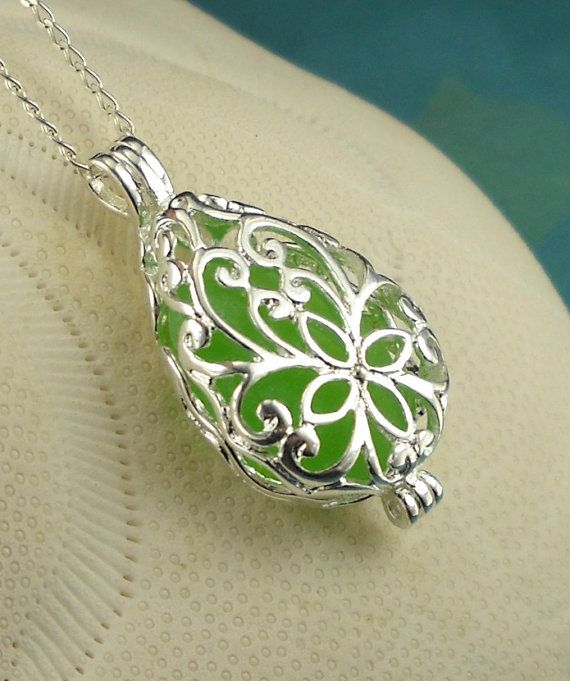 Sea Glass Necklace Kelly Green Filigree Locket. not a locket person but loooove this! would so wear it :)