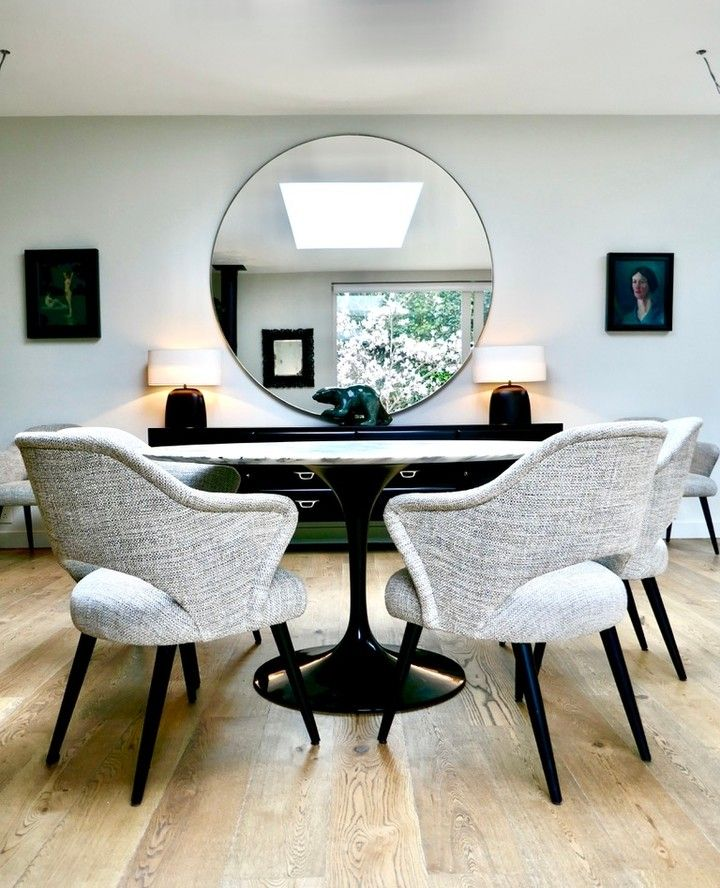 Fiona Mcdonald On Instagram The Verona Circle Mirror Reflects Stunning Floral Displays From The Garden In This Dining Home Gorgeous Interiors Floral Display