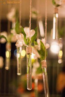 Flores em tubos de ensaio