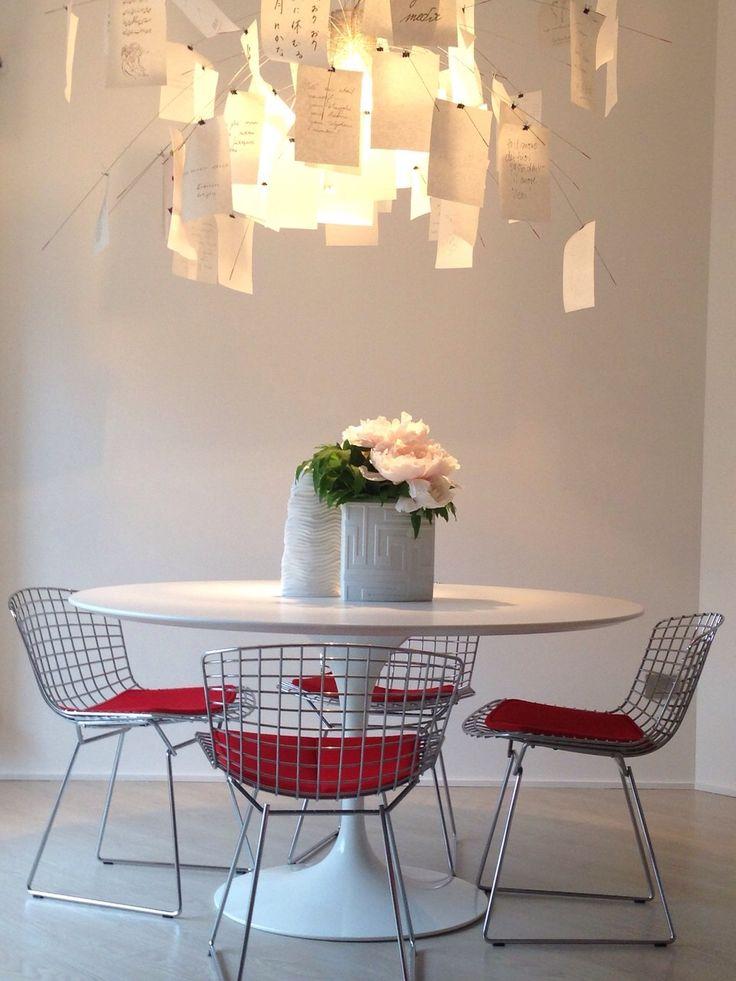 Tavolo Saarinen e sedie Bertoia Knoll Inc.