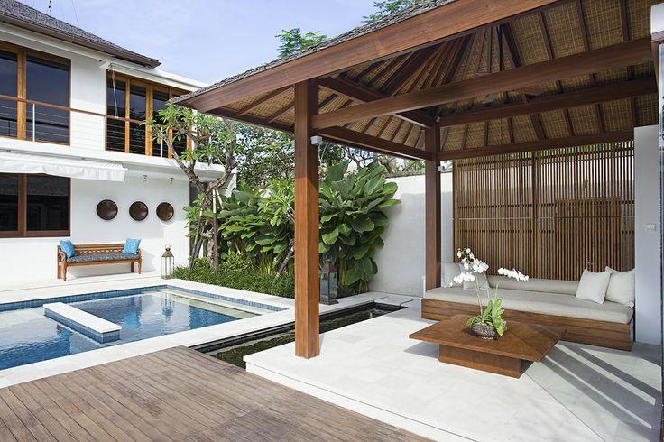 Pool Bale - Villa Cendrawasih http://prestigebalivillas.com/bali_villas/villa_cendrawasih/50/service_facility/