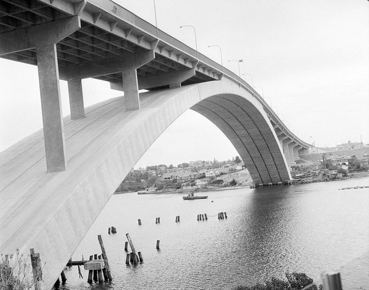 Gladesville Bridge in Sydney, at the time of its official opening, 2 October 1964 v@e