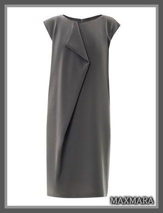 セレブ多数愛用★MaxMara(マックスマーラ)★Renna dress モードなグレーの単色使いに、シックの中に、流れるようなセンタードレープフロントプリーツ  デザインで、大人のフェミニンさも感じる素敵な1枚です☆