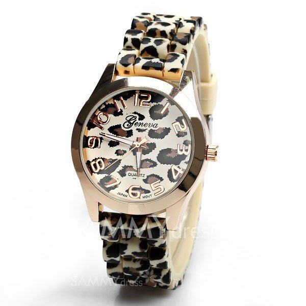 Hermoso reloj animal print con correas de silicona.