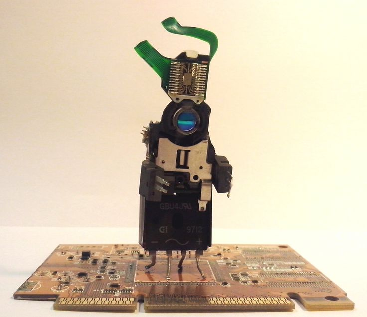 #Phygitales, #Phyci_Digi_Land, #recycled_pcb, #recycled_circuit_board, #robots, #sculpture, #comics, #animation, #recycled_electronics, #recycled_computer_Parts