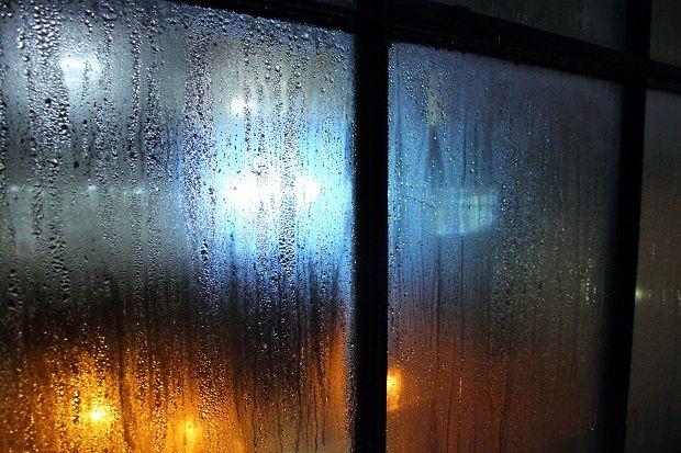 Grazie ai sistemi di ventilazione Evel potrai dire addio alla muffa che si forma agli angoli dei muri. L'aria troppo umida, che agevola la creazione e la proliferazione di umidità e muffe, è infatti pericolosa per il benessere di chi vive gli ambienti. Se stai cercando una soluzione la puoi trovare nei sistemi di ventilazione Evel che, garantendo la corretta miscelazione di aria calda e fredda, evitano la formazione di umidità e di muffe. Per maggiori informazioni visita il nostro sito…