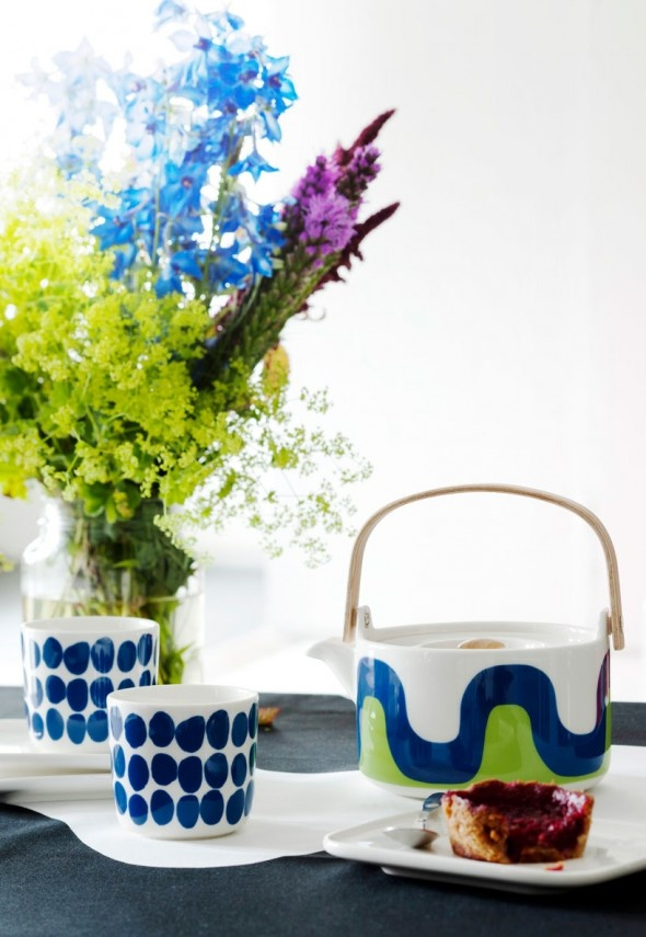 Marimekko dishes on Finnair flights. As seen on http://www.skimbacolifestyle.com