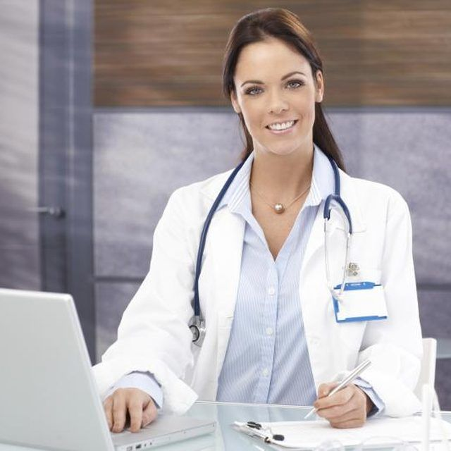 How to dress professionally (and practical) as a young female doctor.