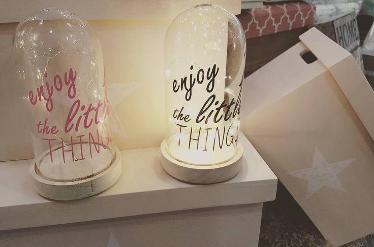 "Lamparitas ""Enjoy the little things"" novedad. Funcionan a pilas. http://ift.tt/2nh9w4J #novedades #novedad #led #lamparas #lamparasyregalos #decoracion #decohogar #enviosonline #paratodaespaña #madrid #bcn #cordoba"