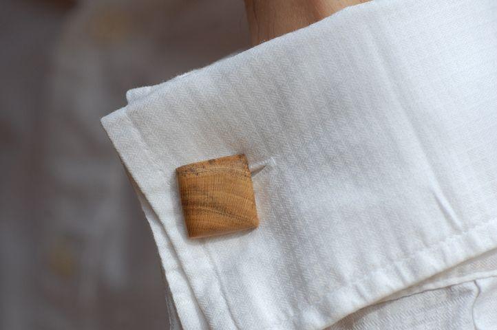 Manschettenknöpfe aus Holz von fabol auf DaWanda.com