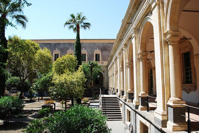 Monastero dei Benedettini Catania by alfiogreen, via Flickr #InvasioniDigitali il 20 aprile dalle ore 16.00 alle ore 18.00 Invasore: Benedettini_OC