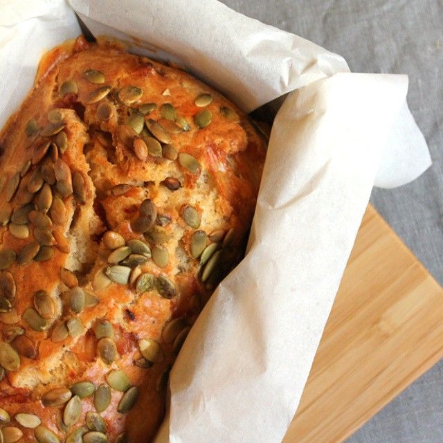 Cake aux tomates séchées, comté et graines de courges …