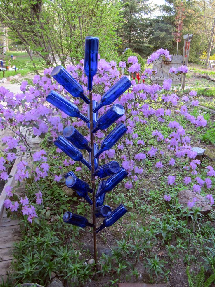 a2bef85627c7cfaef87a193b0c99ecd3  wine tree bottle trees - Blue Bottle Trees Gardens And Collections