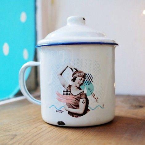 mug mail sir ne tasse maill e style vintage r tro mais tout neuf juste pour le th. Black Bedroom Furniture Sets. Home Design Ideas