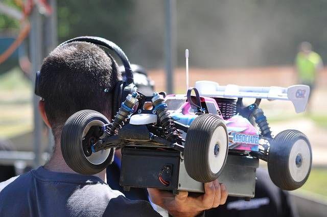 1 Jenis Dan Model Mobil Rc 2 Ukuran Mobil 3 Jenis Mesin Dan Bahan Bakar 4 Jarak Maksimal Radio Pengendali 5 Tipe Mobil Remote Mobil Rc Mobil