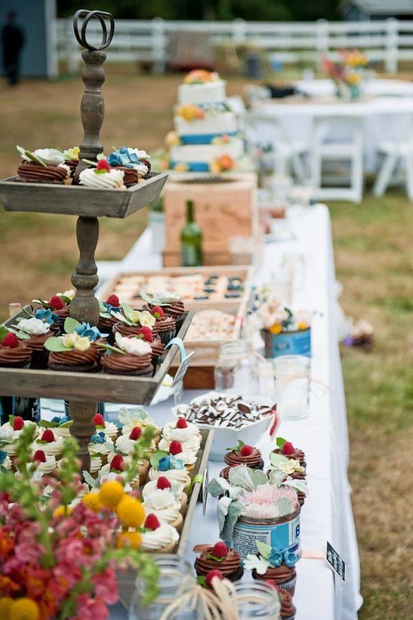 #Gorgeous #buffet for an #outdoor #wedding! #makeitpossible #lancercatering