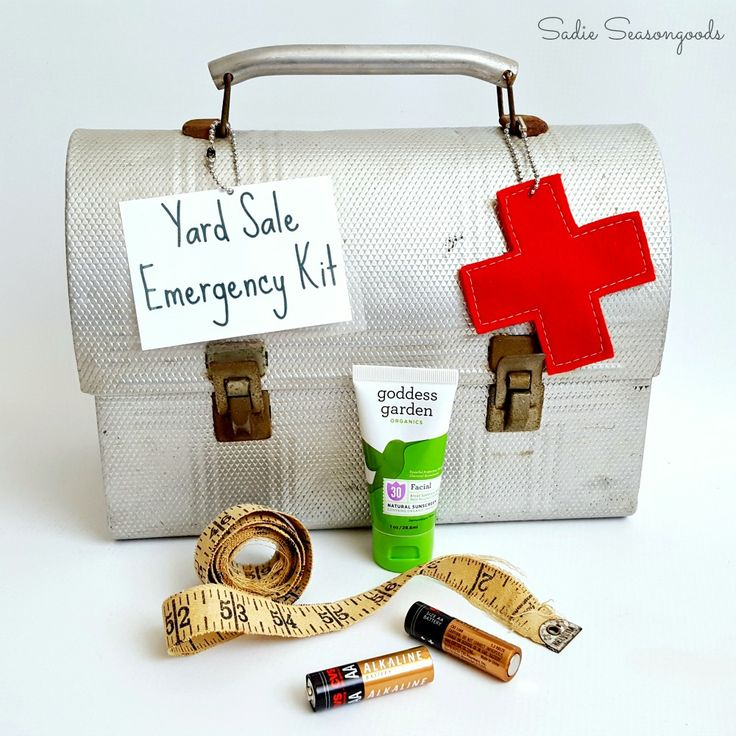Yard Sale Emergency Kit: A Lunch Box Repurposed!