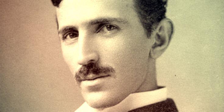 Imagina o mundo todo ser capaz de ter acesso gratuito à energia elétrica sem pagar nada. Segundo Nikola Tesla, essa ideia não é uma utopia, e sim bastante possível, como se fosse um sinal Wi-Fi. O que acontece é que a elite não irá aceitar qualquer tipo de ideia que possa comprometer o seu reinado.  Nikola Tesla (1856-1943), nasceu em Smiljan, no então Império Austríaco, na Croácia. Mais tarde Tesla se naturalizou americano, onde foi morar e revolucionar com tecnologias por ele…