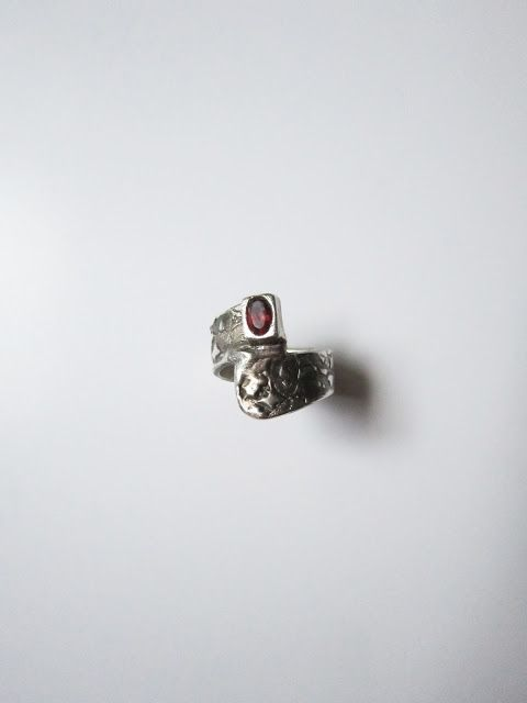 Cris Briz: handmade silver ring (Metal Art Clay 999) with ruby