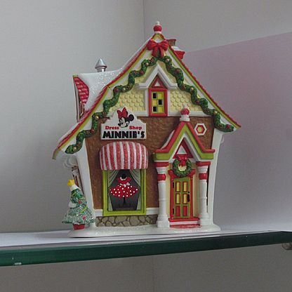 Minnie gingerbread house