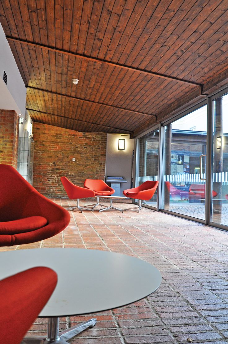 The University of Nottingham - The University of Nottingham - Highfield House: Allemuir open chairs.