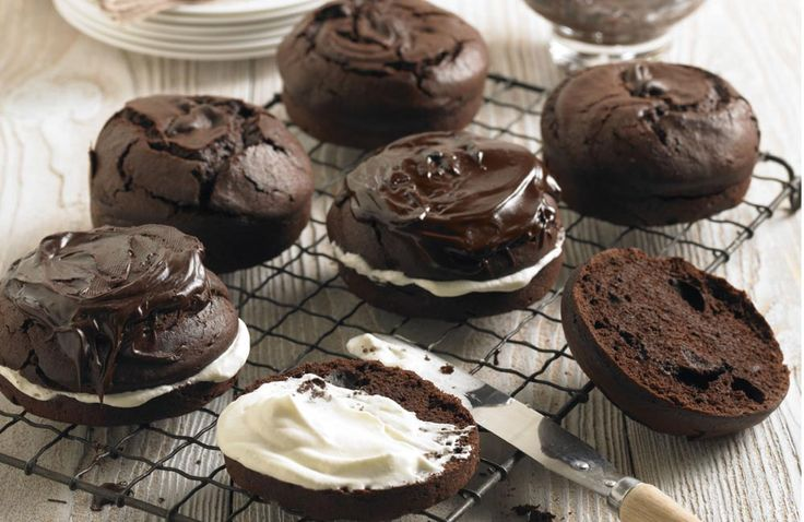 dark chocolate and parsnip cakes more cakes mmm cakes cookies cakes ...