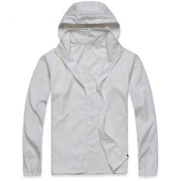 Dámská outdoor bunda bílá – VELIKOST L Na tento produkt se vztahuje nejen zajímavá sleva, ale také poštovné zdarma! Využij této výhodné nabídky a ušetři na poštovném, stejně jako to udělalo již velké množství spokojených …