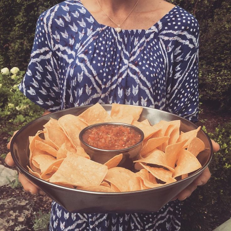 Chic & Dip! A simple summer crowd pleaser of chips and salsa look fantastic in our chic Pewter Stoneware server. Easy breezy elegance.