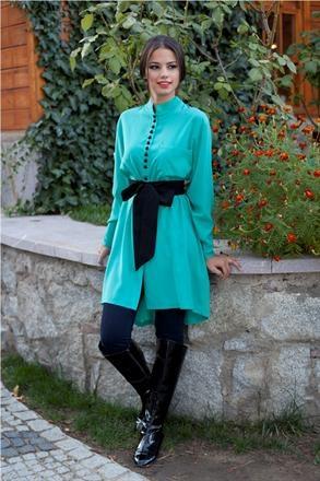 Kuaybe Gider Özel tasarım turkuaz rengi hakim yaka , siyah kuşaklı tunik