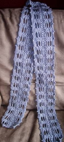 Super pretty scarf inspired by Luna Lovegood in the Harry Potter movies, looks pretty easy to crochet too (with pattern).