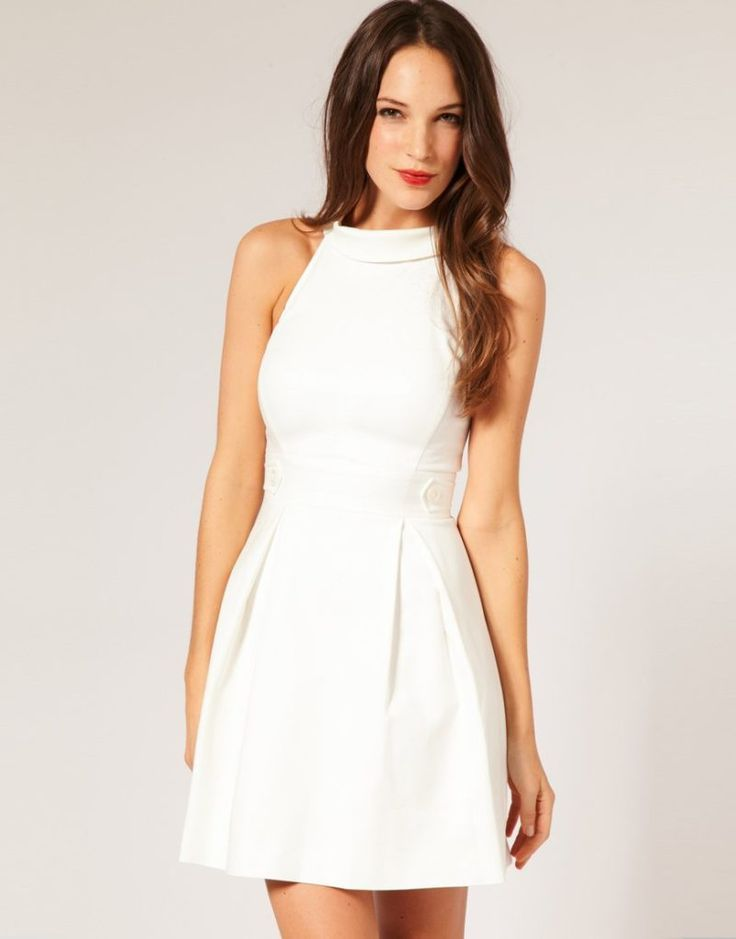 V neckline white dress for juniors