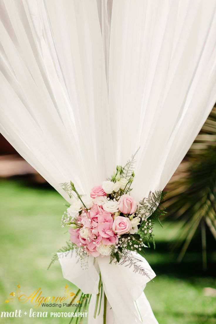 Wedding details make every bride feels special
