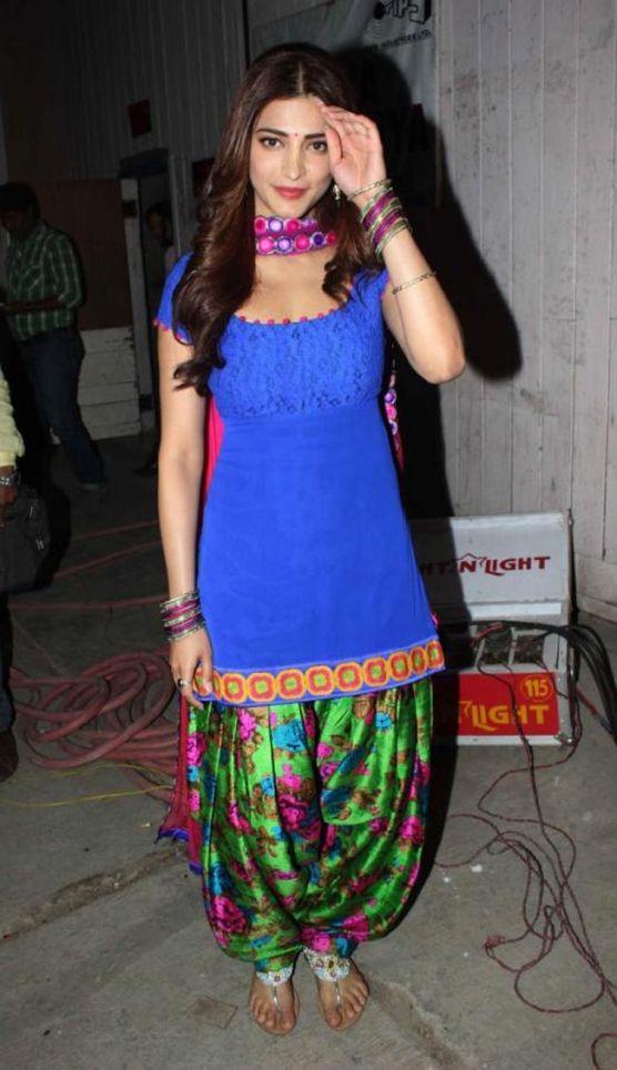 Shruti Hassan Latest Hot Photos