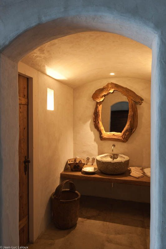 Subtle lighting to create intimate atmosphere in bathroom Ambient lighting in bathroom and hallway #designer #bespoke #lighting #lightingideas #architecture #home #design #interiors #interiordesign