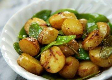 New potatoes with mangetout recipe