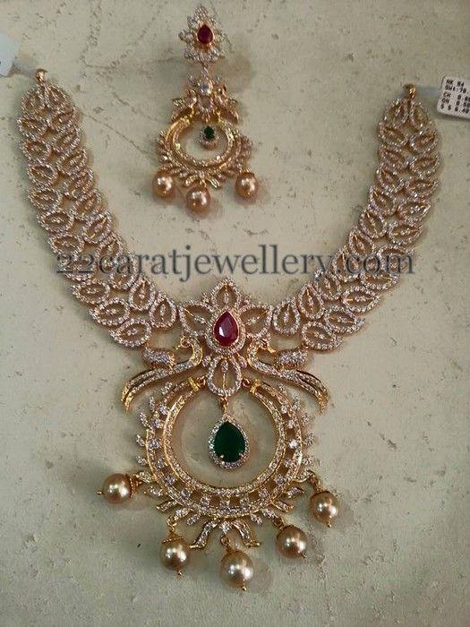 Jewellery Designs: Leafy Design Two Tone Diamond Set