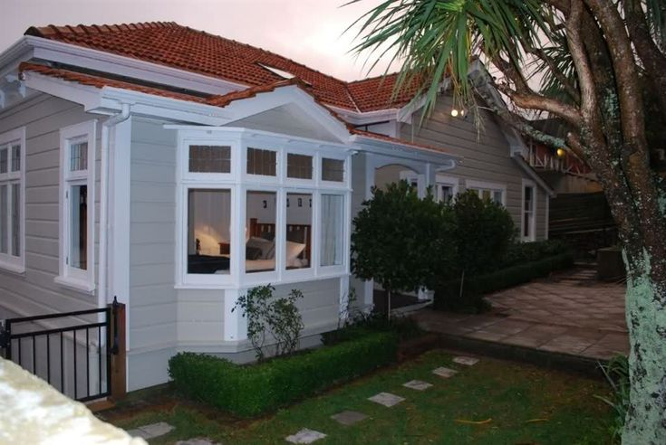 You might be after a grey, a green, a brown… below are 10 weatherboard house colour which may suit your style. Description from pinterest.com. I searched for this on bing.com/images